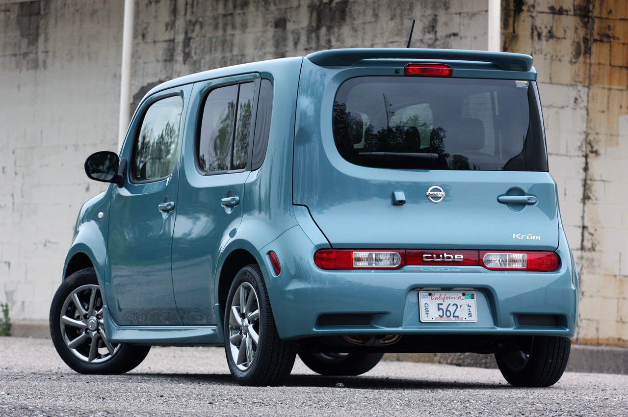2011 nissan cube krom photo gallery autoblog. Black Bedroom Furniture Sets. Home Design Ideas