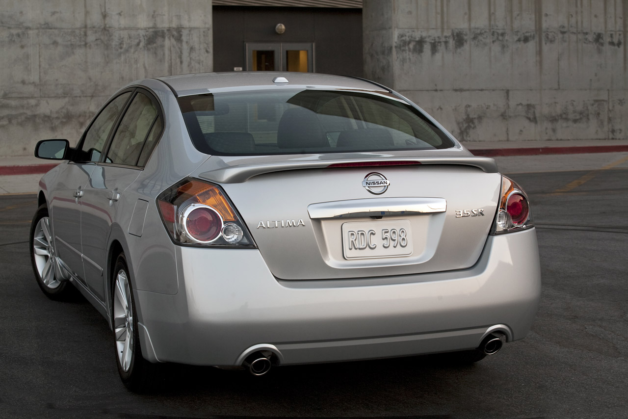 nissan details 2012 altima pricing and package tweaks autoblog. Black Bedroom Furniture Sets. Home Design Ideas