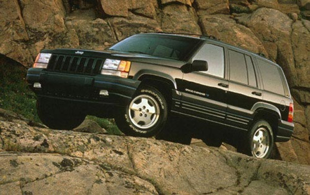 Center For Auto Safety Pushes For Recall Of 2 2 Million Jeep Gra on 1997 jeep grand cher