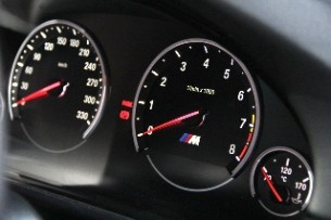 2012 BMW M5 gauges