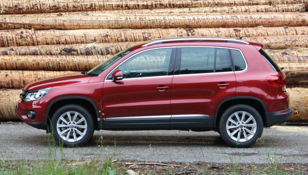 2012 Volkswagen Touareg side profile
