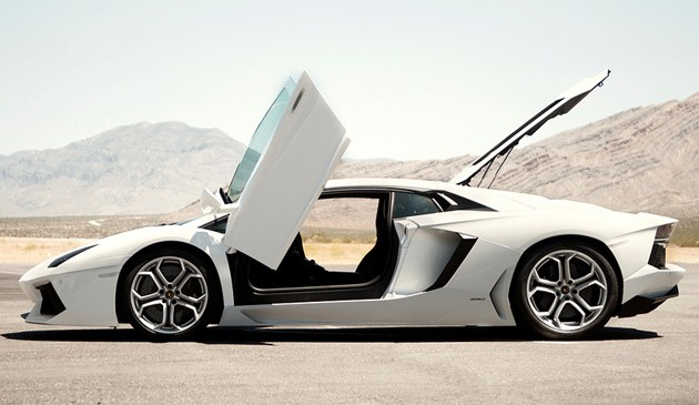 2012 lamborghini  aventador in the las vegas desert