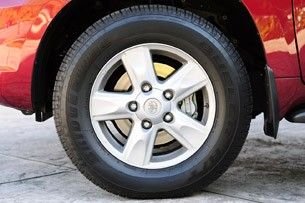 2012 Toyota Land Cruiser wheel