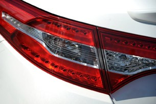 2011 Kia Optima Hybrid taillight
