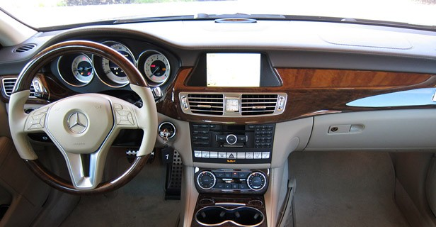 2012 Mercedes-Benz CLS550 interior