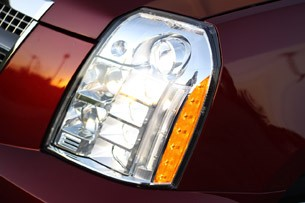 2011 Cadillac Escalade Hybrid Platinum headlight