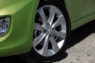 2012 Hyundai Accent Five-Door wheel