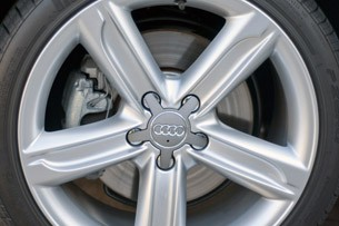 2011 Audi TT 2.0 Quattro Coupe wheel