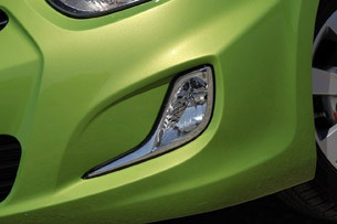 2012 Hyundai Accent Five-Door fog light
