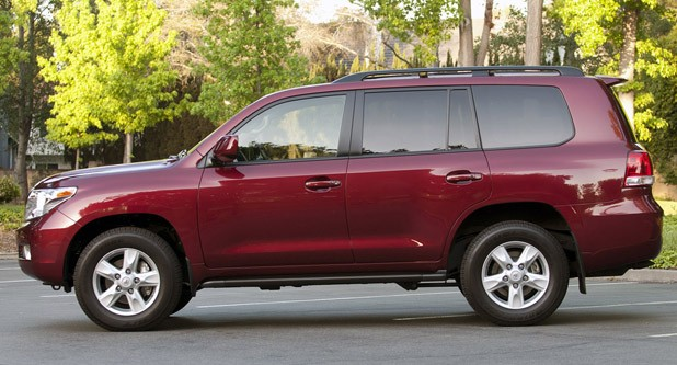 2011 Toyota Land Cruiser side view