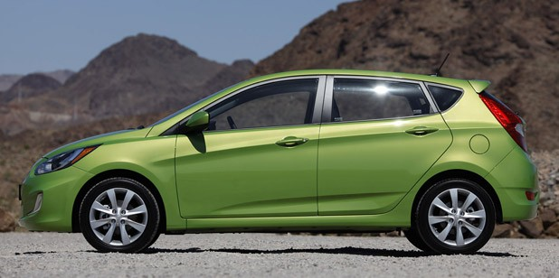 2012 Hyundai Accent Five-Door side view