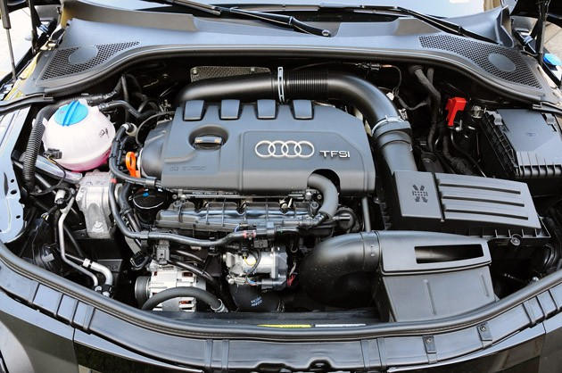 2011 Audi TT 2.0 Quattro Coupe engine