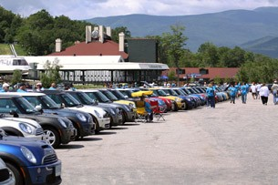parking lot full of mini coopers at loon mountain