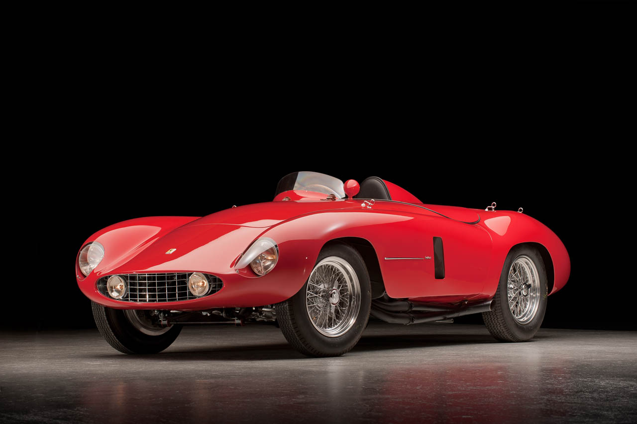 55 Ferrari 750 Monza Speeds From Show Stand To Race Track