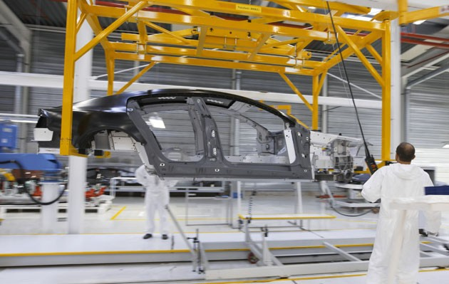Aston Martin Rapide production at Magna Steyr