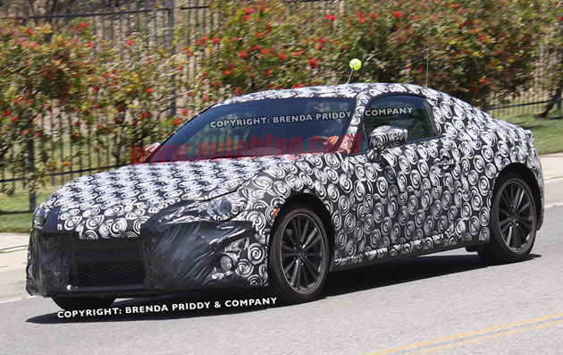 Subaru Coupe spy shots