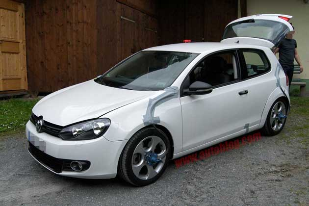 Volkswagen Golf GTI Test Mule