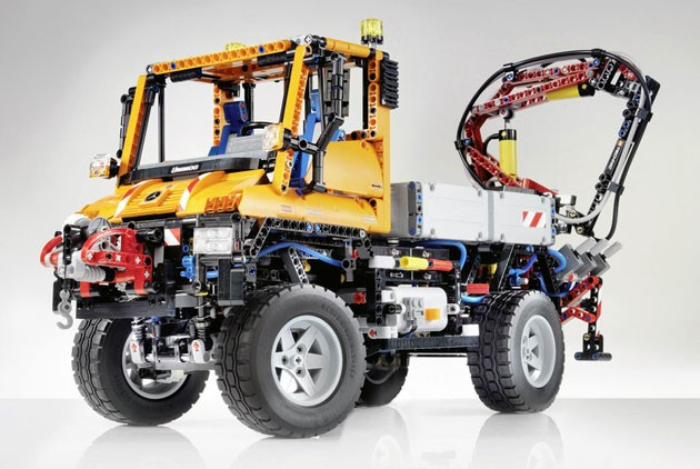 Mercedes-Benz Unimog by Lego