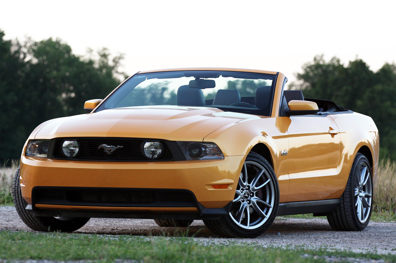 2011 ford mustang gt convertible photo gallery autoblog. Black Bedroom Furniture Sets. Home Design Ideas