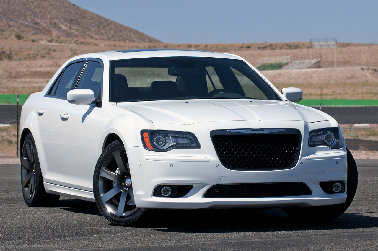 2012 chrysler 300 srt8 autoblog. Black Bedroom Furniture Sets. Home Design Ideas