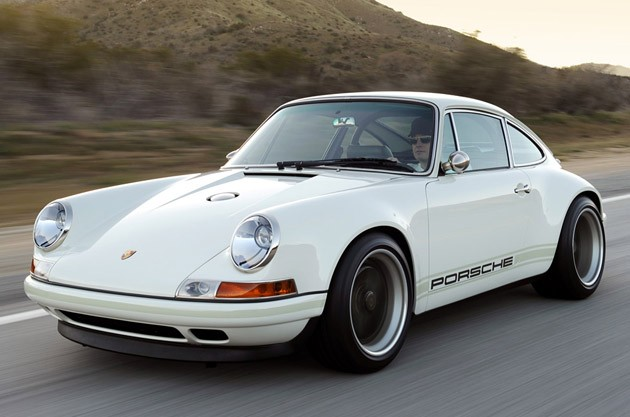 Singer 911 in white
