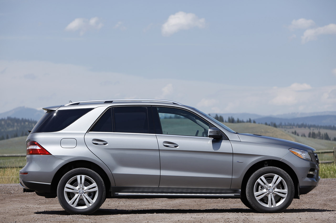 2012 mercedes benz ml350 bluetec 4matic first drive photo for Mercedes benz m350 price