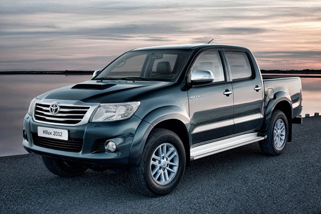 Toyota Hilux pickup gets fresh skin, more power for 2012