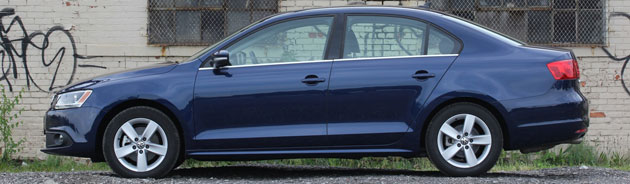 2011 Volkswagen Jetta TDI side profile