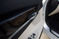 2011 BMW 740Li interior door handle