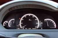 2011 Mercedes-Benz CL550 4Matic gauges