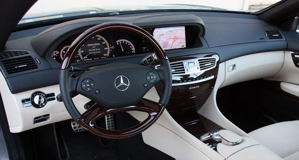2011 Mercedes-Benz CL550 4Matic interior