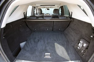 2012 Mercedes-Benz ML350 BlueTec 4Matic rear cargo area