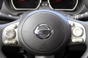 2012 Nissan Versa steering wheel