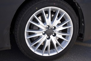 2012 Lexus GS Prototype wheel
