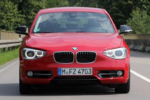 2012 BMW 1 Series Five-Door front view
