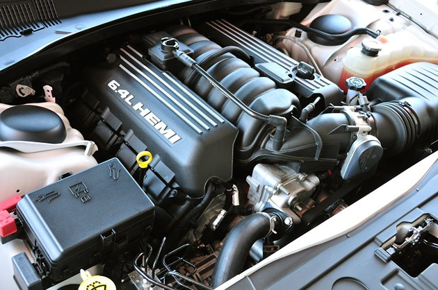 2012 Chrysler 300 SRT8 engine