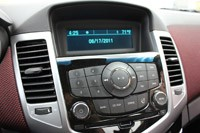 2011 Chevrolet Cruze Eco instrument panel