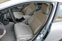 2012 Honda Civic Hybrid front seats