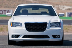 2012 Chrysler 300 SRT8 front view