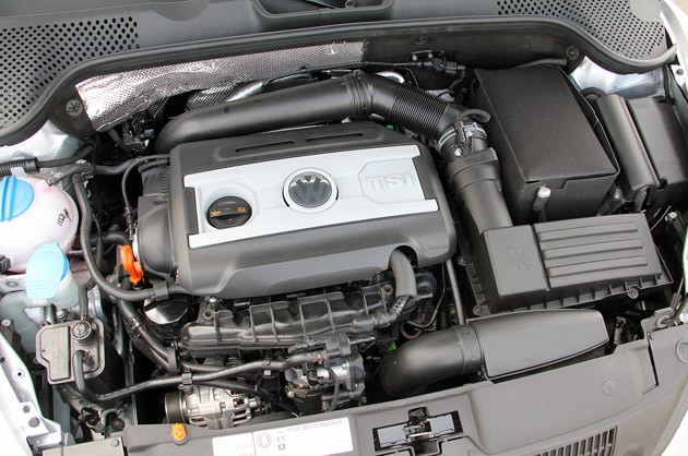 2012 Volkswagen Beetle Turbo engine