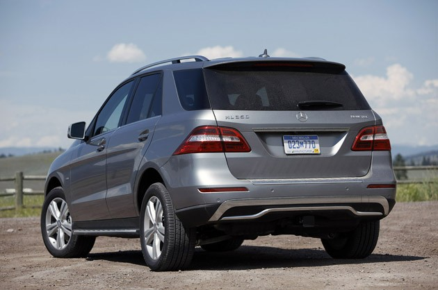 2012 Mercedes-Benz ML350 BlueTec 4Matic rear 3/4 view