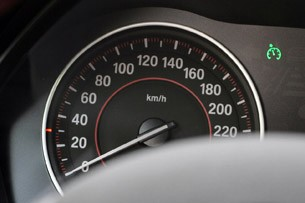 2012 BMW 1 Series Five-Door speedometer