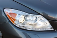 2011 Mercedes-Benz CL550 4Matic headlight