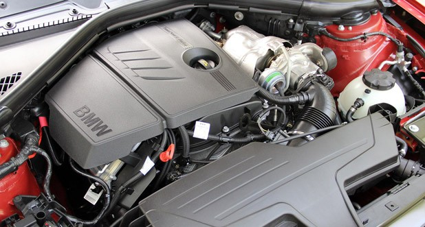 2012 BMW 1 Series Five-Door engine