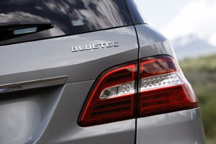2012 Mercedes-Benz ML350 BlueTec 4Matic taillight