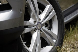2012 Mercedes-Benz ML350 BlueTec 4Matic wheel