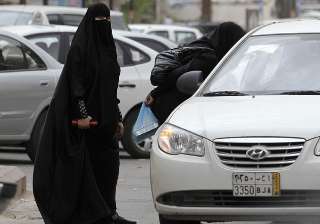 Saudi women in cars