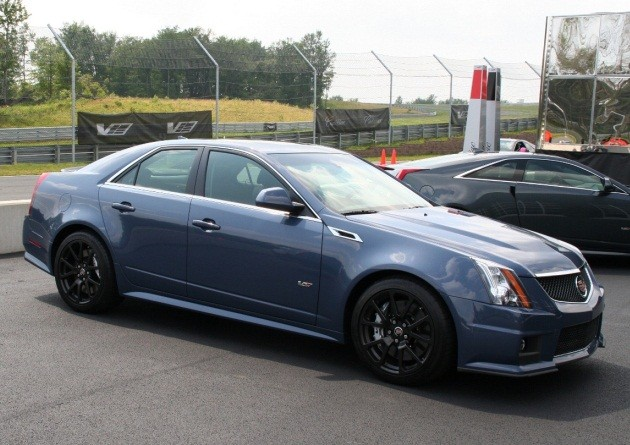 Cadillac CTS-V in Supersonic Blue