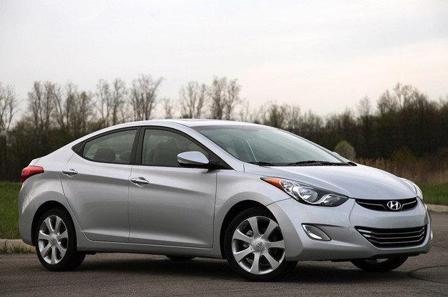 2011 Hyundai Elantra - front three-quarter view, silver