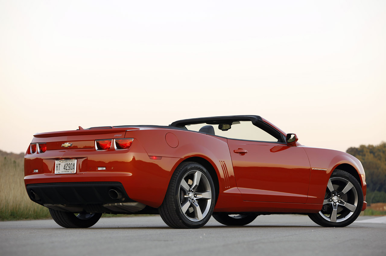 2011 chevrolet camaro ss convertible autoblog. Black Bedroom Furniture Sets. Home Design Ideas